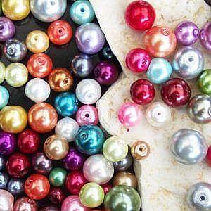 Glaswachsperlen als Basisperlen zum Schmuck basteln und Ketten selber fädeln