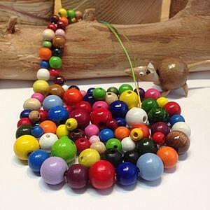Holzkugelperlen in vielen Farben und Groessen