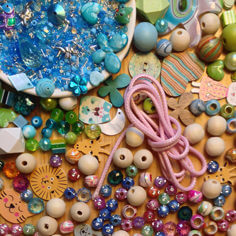 Perlen kaufen  Perlen kaufen bei Perlenscheune! Basteln mit Perlen