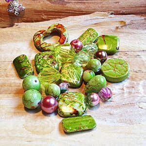 Perlentüten nach Farben sortiert, Perlenmixe und Mischungen