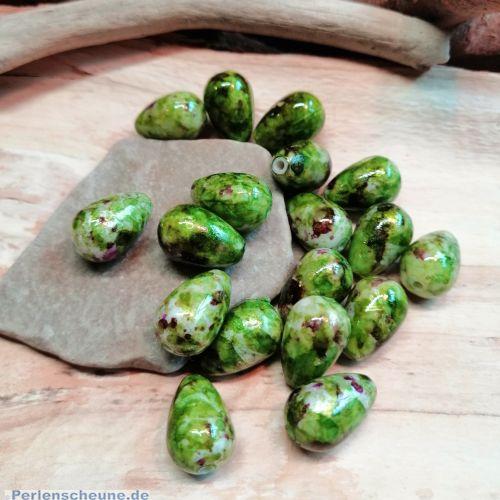15 Tropfenperlen grünmarmoriert 16 mm