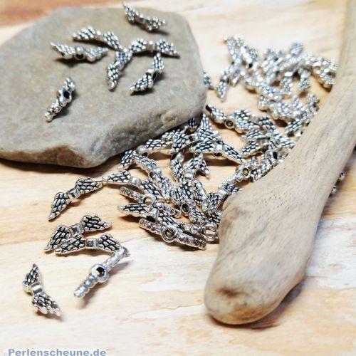 2 Metallperlen kleine Engelflügel silber antik Flügelperlen 12 mm
