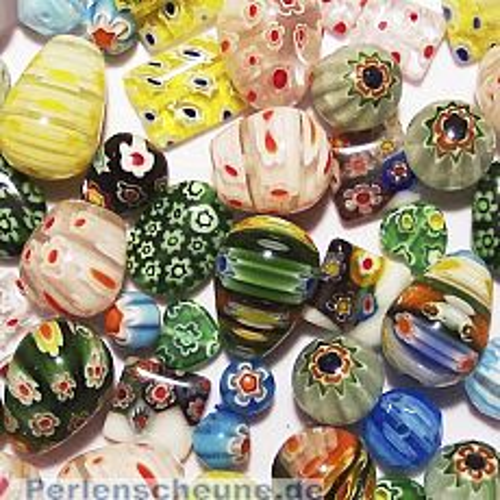 Perlenset mit 20 Glaschevron Perlen ca. 8 - 20 mm