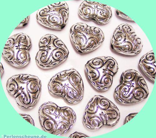 Set mit 10 schönen großen CCB Herzen 20 mm