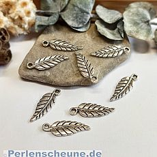 6 Kettenanhänger Blatt/Feder  in silber antik 20 mm