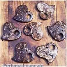 2 große Herz Kettenanhänger aus Kokosnussholz 41 mm