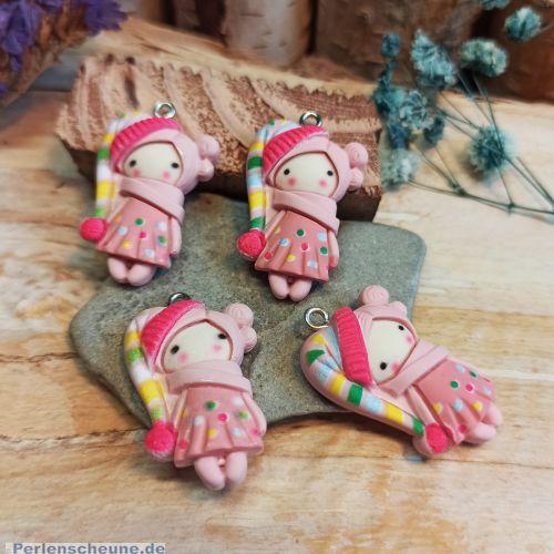 1 Anhänger Figur Mädchen 30 mm Polymer clay rosa