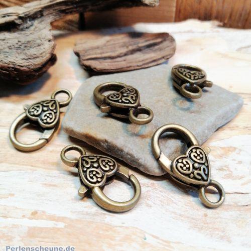 1 großer Karabinerhaken Herz bronze antik 26 mm