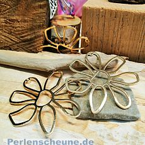 1 Metallanhänger 52 mm Blume goldfarben