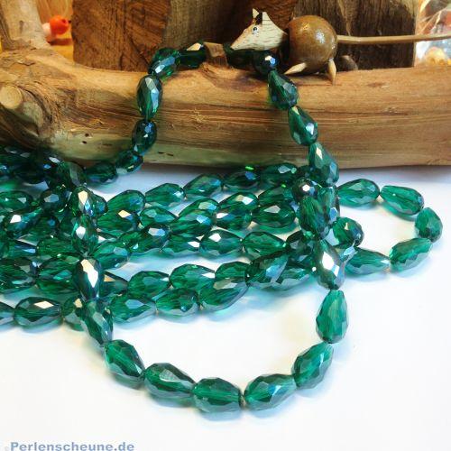 8 Faceted Glastropfenperlen grün 15 x 8 mm