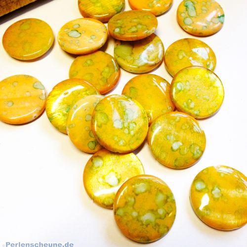 10 flache Perlmuttperlen rund 20 mm gelb