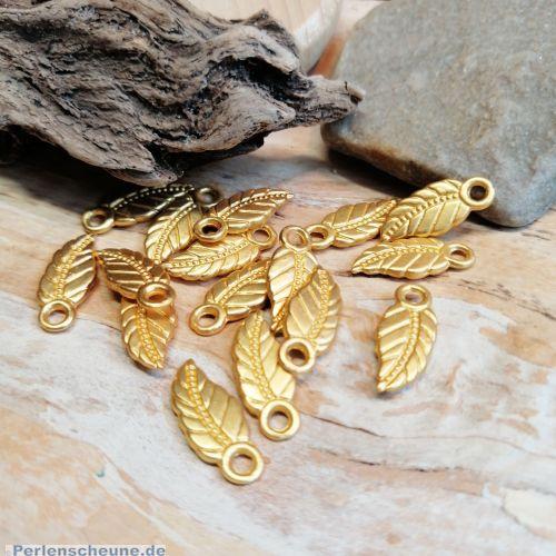 6 Charms Kettenanhänger Blattmotiv gold 17 mm