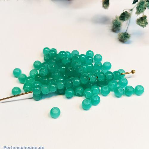 50 Glasperlen Jadeimitat Kugeln im Set mittelgrün 4 mm