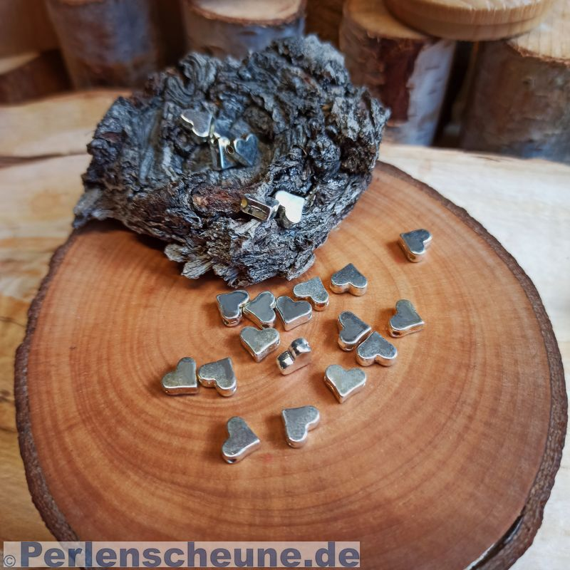 40 Metallspacer Perlen Herzen silber 6 x 5 x 4,5 mm Loch 1 mm Ketten basteln