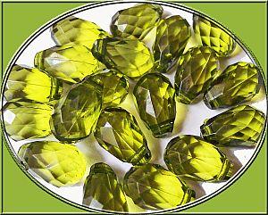Perlenset 10 schöne große Tropfen Perlen 18 mm moosgrün