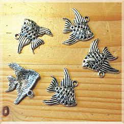 1 Kettenanhänger Fisch Metall silber antik 20 mm