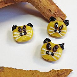 Katzenperlen Set mit 2 Glaslampworkperlen Katzen handmade gelb 22 mm