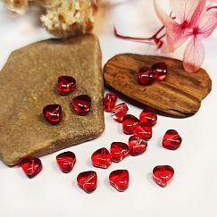 10 Glas Herzen Perlen rot 6 mm