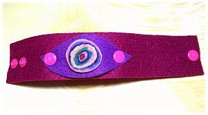 Filzarmband mit Medaillon