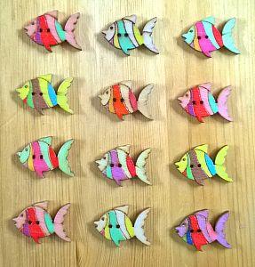 10 große Holzknöpfe Fisch 30 x 28 mm