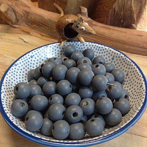 40 Hinoki Holzperlen in dunkelgrau 6 mm Loch 1,5 mm