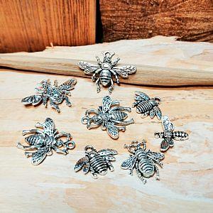 Set mit 4 verschiedenen Metall Anhängern Insekt 20 - 40 mm silber