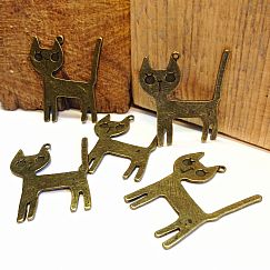 1 großer Ketten Anhänger Katze  in bronze antik 45 mm