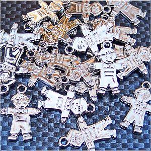 10 Kettenanhänger Kind 23 mm silber Kinderanhänger