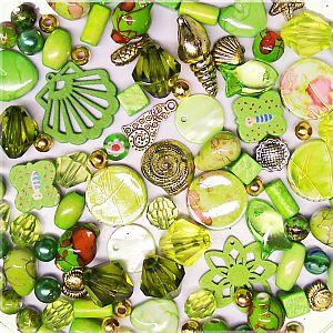 100 Perlen Perlenmischung grüntönig Materialmix 6 -30 mm