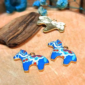 2 Metallanhänger matt Pferd blau Emaille 23 mm