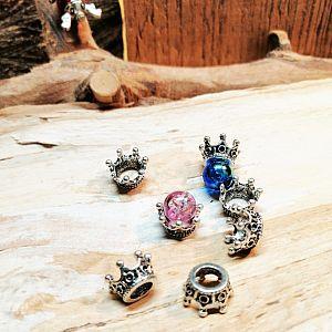 2 Metall Perlenkappen als Froschmotiv für Perle