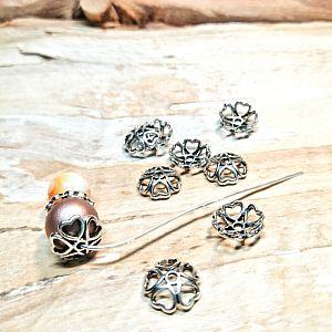 10 Metall Perlenkappen mit Herzen 10 mm silber antik