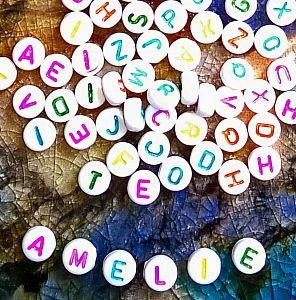 50 einfache Buchstabenperlen Kinderperlen 7 mm