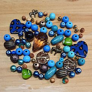Bastelset Bausatz für Kette mit 82 Perlen blau brauntönig ca. 6 - 32 mm