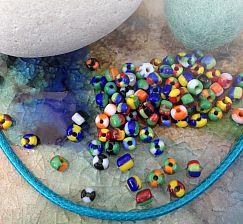 270 gestreifte Rocailles Glasperlen o. 20 g im buntem Mix 3-3,5 mm