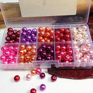 Perlenbox mit 200 Glaswachsperlen rot- rosatönig 8 mm