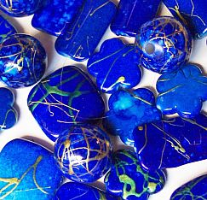 Perlenset 20 schöne Perlen blaumarmoriert mit Gold 18 mm
