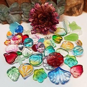 15 g böhmische Glasperlen Blätter Blüten Formenmix