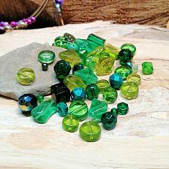 50 g böhmische Glasperlen als Mix in grün