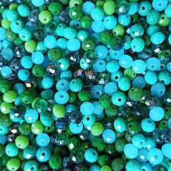 30 Facettierte geschliffene Abacus Glasperlen grüntönig feuerpoliert 6 x 4 mm
