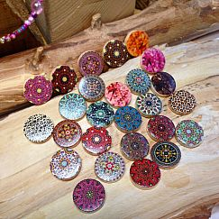 Perlenset 10 große bedruckte Mandalaholzperlen flach 20 mm hinten Holz