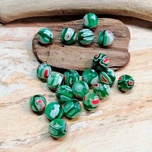 20 Glaschevronperlen Kugelform 6 mm grün Millefiori