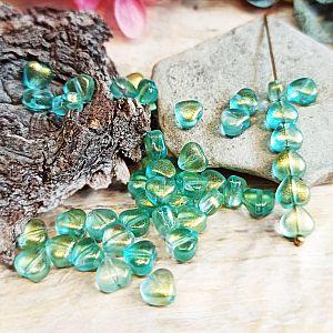 20 Glasperlen Herzen hellgrün mit Goldpuder 6 mm