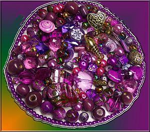 1 Perlenset mit 100 Flieder-Lila Perlen Materialmix 6 -30 mm
