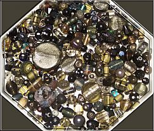 Set mit über 100 Perlen tiefe Nacht 80 g Perlenmix 6 -30 mm