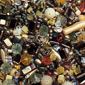 50 g böhmische Glasperlen als Mix in braun